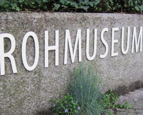 Wagner Schriften Gebaeudebeschriftung Referenz Strohmuseum