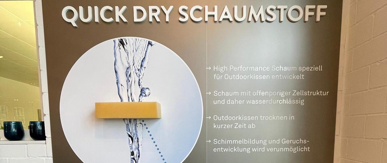 Ausstellungswand_Wagner-Schriften_Hunn-Gartenmoebel_Einzelanfertigung
