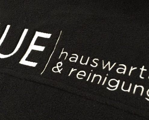 Wagner Schriften Stickerei Firmenkleidung NUE